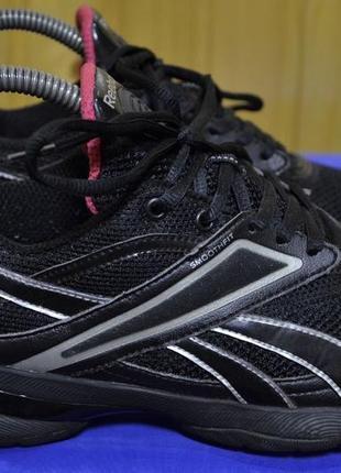 Крутые кроссовки reebok 38.5