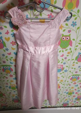 Нежное атласное платье