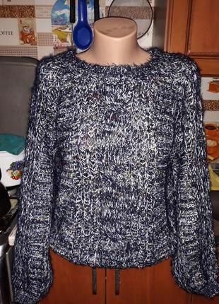 Стильный свитерок хит сезона! размер  m-l.
