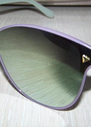 Распродажа солнцезащитные очки с цельной зеркальной линзой и цветной оправой