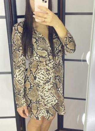 Цена снижена! скидка 50%!новое платье, змеинный принт, кожа питона.
