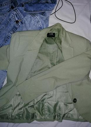 Салатовый пиджак