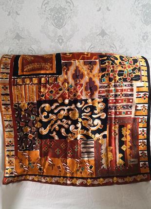Бесподобный шелковый платок yves saint laurent, италия