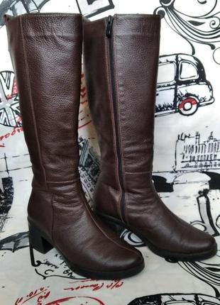 Женские кожаные сапоги на каблуке lev lyubinin