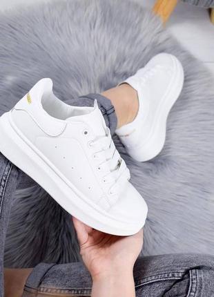 Шикарные женские кеды кроссовки на высокой подошве alexander mcqueen white