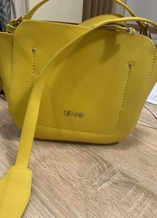 Liu jo сумка новая желтая, стильная вместительная компактная на длинной  ручке