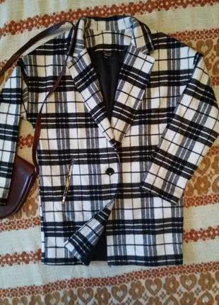 Стильное пальто бойфренд в принт new look 915