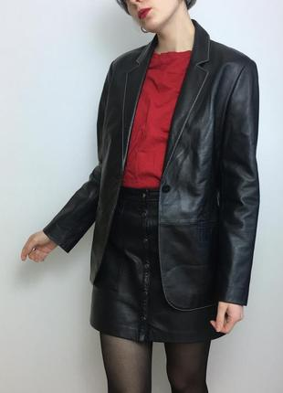 Кожаный удлинённый чёрный пиджак оверсайз