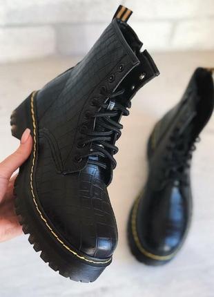 Акция кожаные ботинки в стиле martens