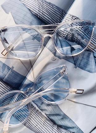 Имиджевые солнцезащитные голубые очки