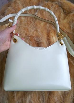 Шкіряна сумка з бамбуковою ручкою
