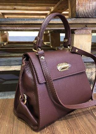 Стильная кожаная сумка-портфель коричневая среднего размера vera pelle италия