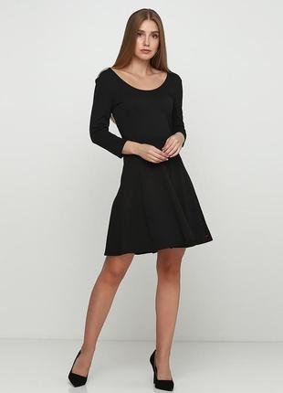 Черное женское платье с юбкой-клеш castro, размер xs