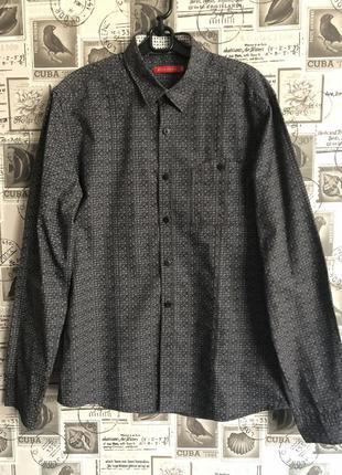 Серая с принтом мужская стильная рубашка ostin. размер м