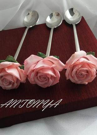 Ложка с розой