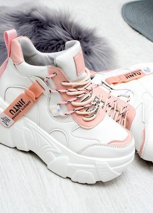 Модные белые женские кроссовки на платформе