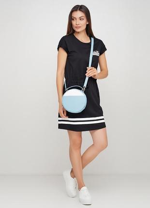Женская круглая голубая сумка через плечо