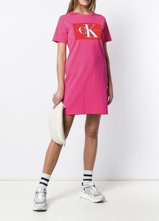 Нереально крутое ярко розовое платье  calvin klein