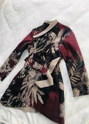 Пальто с запахом на поясе
