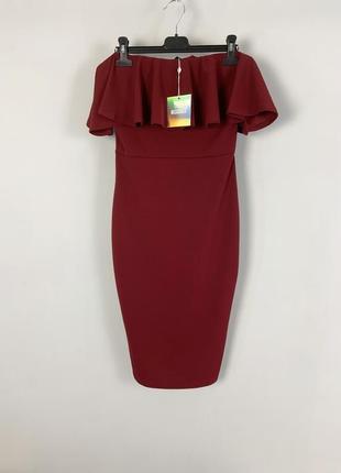 Вечернее фактурное бордовое облегающее платье миди бюстье с воланом по груди missguided