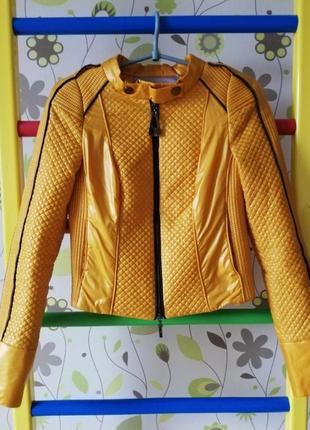 Крута вкорочена куртка косуха помаранчева оранжева стьогана від vladi mix