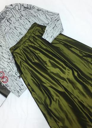 Красивая зелёная миди юбка