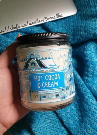 Ароматическая свеча bath and body works - hot cocoa and cream