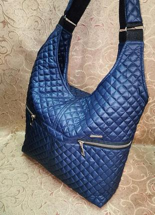 Вместительная женская сумка из болоньи. очень классная.