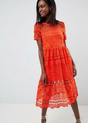 Яркое кружевное платье сарафан из кружева