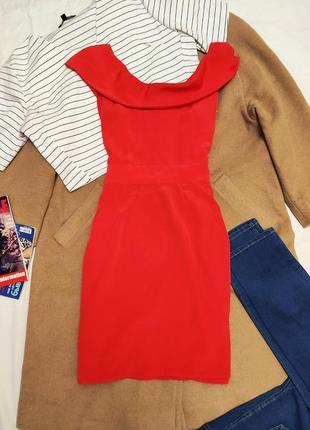 Красное алое платье шифоновое с воланом на груди приоткрыты плечи oasis4 фото