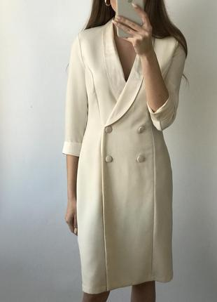 Платье пиджак белое двубортное жакет блейзер миди молочное бежевое классическое винтаж