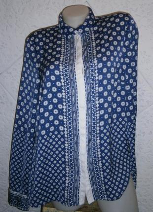 Симпатичная  блуза с орнаментом длинным рукавом