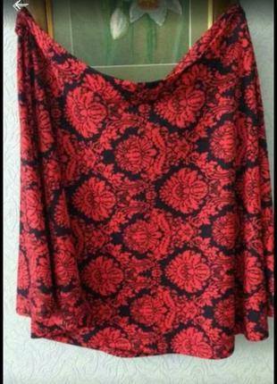 Прекрасная  демисезонная юбка, с жаккардовым принтом