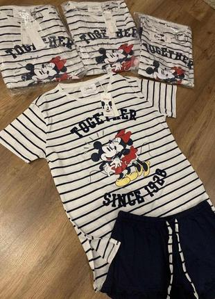 Стильная пижама с микки футболка и шорты