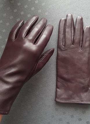 Кожаные фиолетовые перчатки фирмы next в новом состоянии