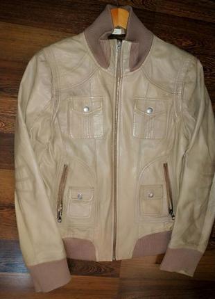 Фирменная куртка. кожа