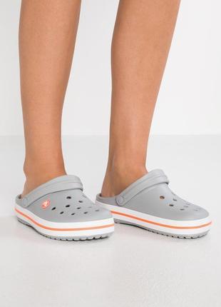 Крокс крокбенд серые crocs crocband clog light grey/bright coral