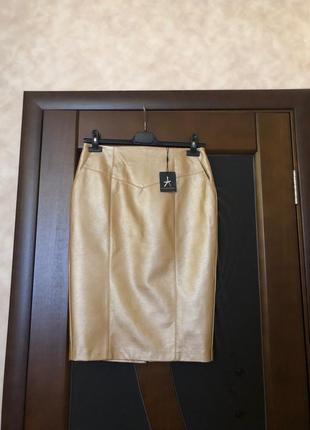 Мега красивая кожаная золотистая юбка-карандаш миди. новая, с этикеткой. р-р 48 наш