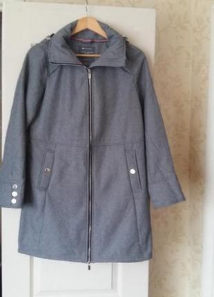Удлиненная куртка/пальто/ на молнии с капюшоном s-m