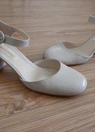 Кожаные туфли-босоножки,туфлі от giannisepe italy