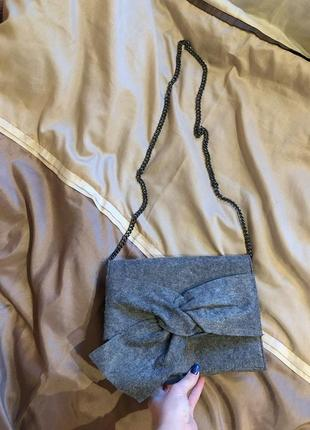 Серая сумка сумочка клатч на цепочке mango