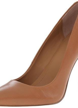 Кожаные туфли лодочки calvin klein brady, размер 8 us. оригинал.