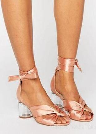 Сатиновые атласные нюдовые персиковые rose gold босоножки туфли с прозрачным каблуком 37р