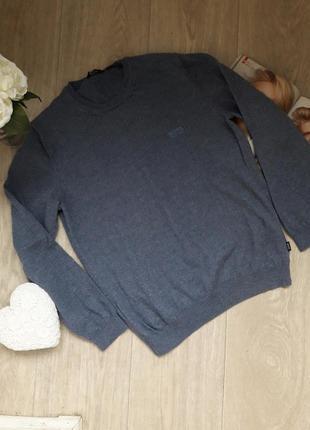 Теплый свитер размер м hugo boss оригинал 100% шерсть