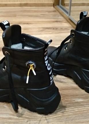 Женские зимние ботинки zarrox