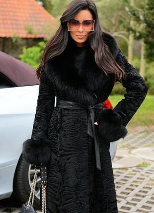 Пальто каракульча swakara италия воротник манжеты финский песец стильная вещь весны 2020