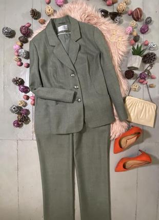 Актуальный мятный винтажный брючный костюм