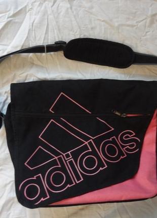 Красивая спортивная сумка adidas