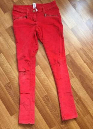 Рваные на колене вельветовые джинсы средняя посадка в рубчик c&a