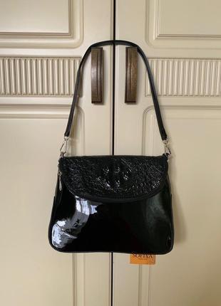 Лаковая черная сумка с тиснением под змею, новая!